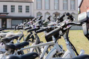מאופניים חשמליים ועד הוברבורד: דרכים זולות להתניידות - בלי רכב